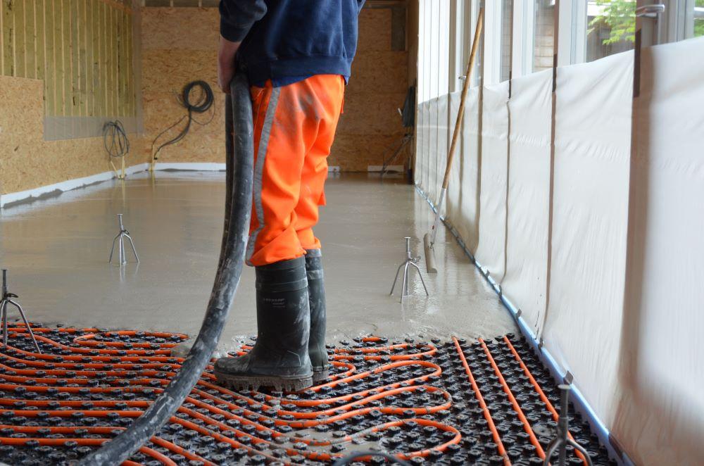 Cementdekvloer of cementgebonden gietvloer – Wat is het verschil?